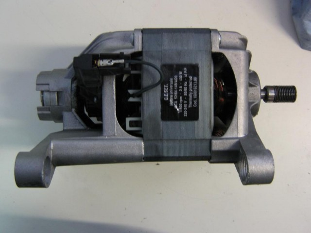 Motore lavatrice Indesit WIDL126 cod MCA 52/64 - 148/AD9