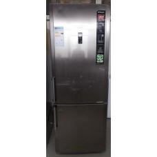 frigorifero hotpoint ariston e2byh19223f03 Capacità netta totale 456  L Tipologia Combinato  Installazione Libera installazione  Classe climatica SN, ST, T, No  Colore del prodotto Acciaio inossidabile