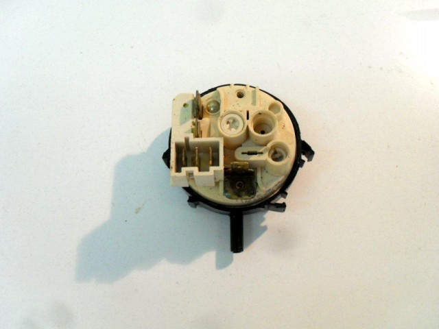 Pressostato lavastoviglie Miele G 660 SC cod 4312560