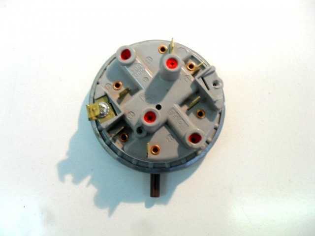 Pressostato lavastoviglie Ardo LS 9212B-1 cod 52000390110050