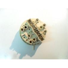 124.043.394    pressostato   lavatrice zoppas pr 43 s, electrolux ew 507 f, rex cx 640, rex rl 40