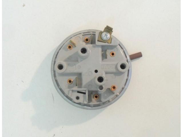 Pressostato lavastoviglie Bauknecht GSI 3374 S cod 53.821215.04