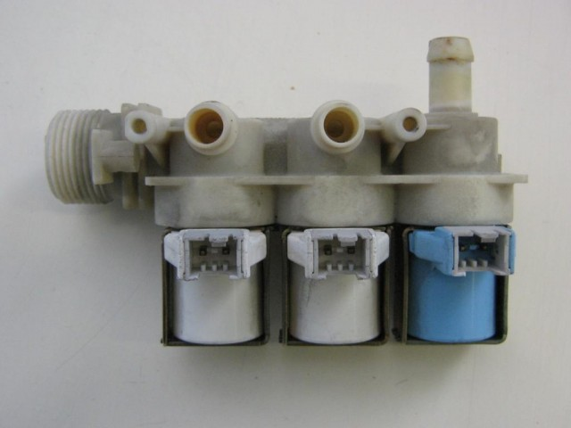 Elettrovalvola lavatrice Ariston cod 20304