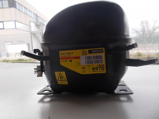 Compressore frigorifero Embraco/Aaspera cod emt40clp-bp1084y / nlx11kk.2