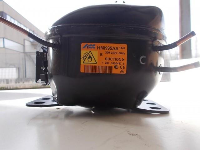 Compressore frigorifero Embraco/Aaspera cod emt40clp-bp1084y / hmk95aa