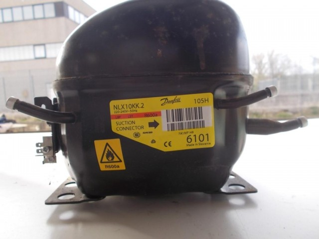 Compressore frigorifero Embraco/Aaspera cod emt40clp-bp1084y / nlx10kk.2